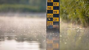 water-level-depth-meter-CTGZF9V.jpg