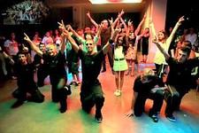 ריקוד בר מצווה עם המשפחה