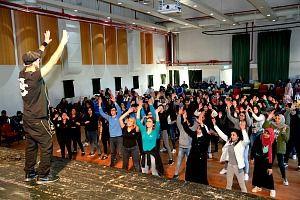 ריקוד פלאש מוב לנוער וילדים