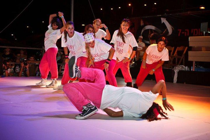 BOTY 2010 Funky Chics Crew (6)
