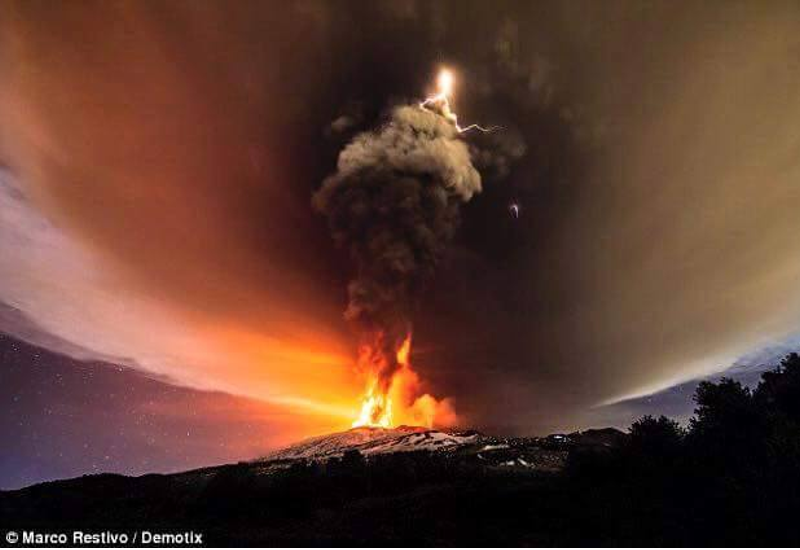 Eruption Etna 2