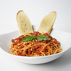 Lunch Spaghetti With Meat Sauce