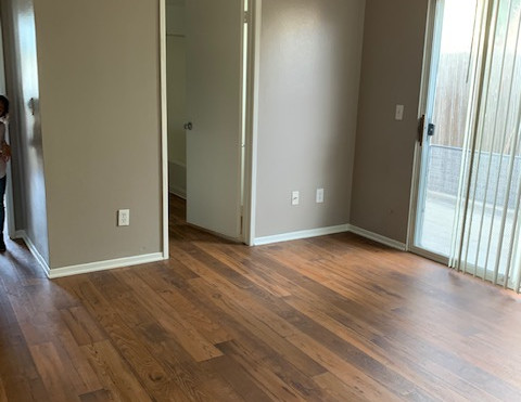 3+2.5 Townhouse Master Bedroom - 1,400 sq.ft.