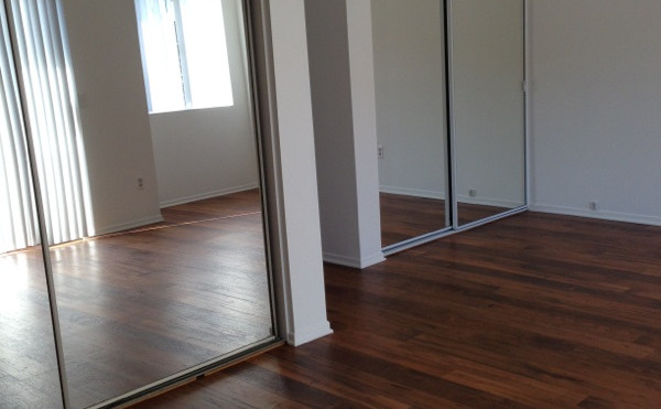 2+2.5 Townhouse Master Bedroom - 1,400 sq.ft.