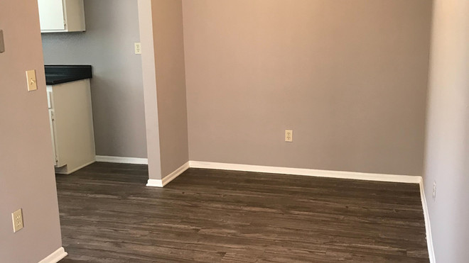 Upstairs 2+2 Dining room - 900 sq.ft.