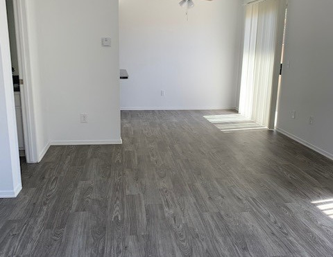 2+1.5 Townhouse Living Room  - 900 sq.ft.