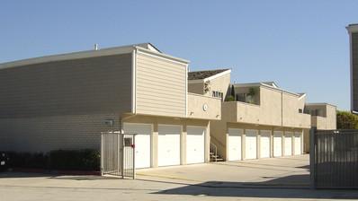 4922 Edinger Avenue Huntington Beach, CA 92647