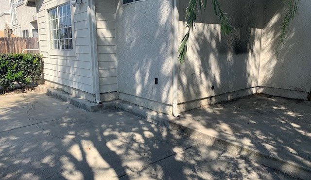 3+3 Townhouse Outside Patio - 1,500 sq.ft.