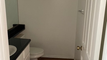 2+1.5 Townhouse - 950 sq.ft. Downstairs 1/2 bath