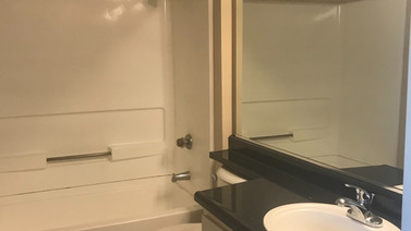 2+2 Downstairs - 900 sq.ft. Guest Bathroom
