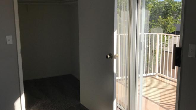 Upstairs 1+1 Bedroom - 700 sq.ft.