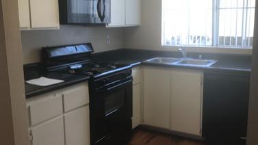 2+2 Downstairs - 900 sq.ft. Kitchen