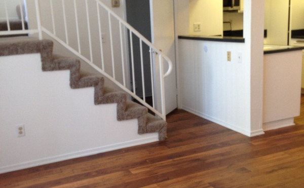 2+2.5 Townhouse Living Room and Kitchen - 1,400 sq.ft.
