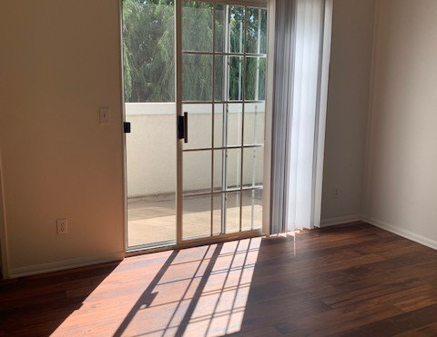 3+3 Townhouse Master Bedroom - 1,500 sq.ft.