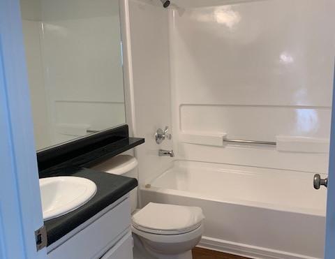 2+1.5 Townhouse Bath - 900 sq.ft.