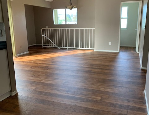 3+2.5 Townhouse Living Room - 1,400 sq.ft.