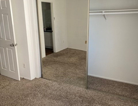 2+1.5 Townhouse - 950 sq.ft. - Master bedroom