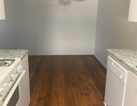 3+3 Townhouse Kitchen and Dining Room - 1,500 sq.ft.