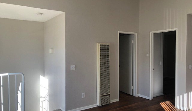 1+1 Townhouse Living Room -700 sq.ft.
