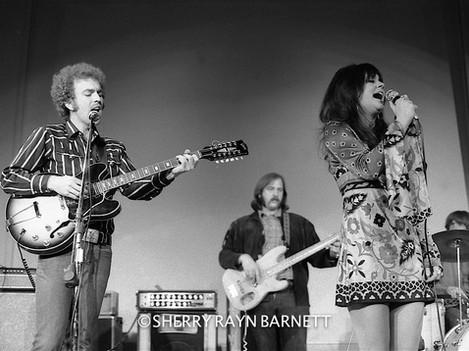 Linda Ronstadt w- Bernie Leadon1970 001