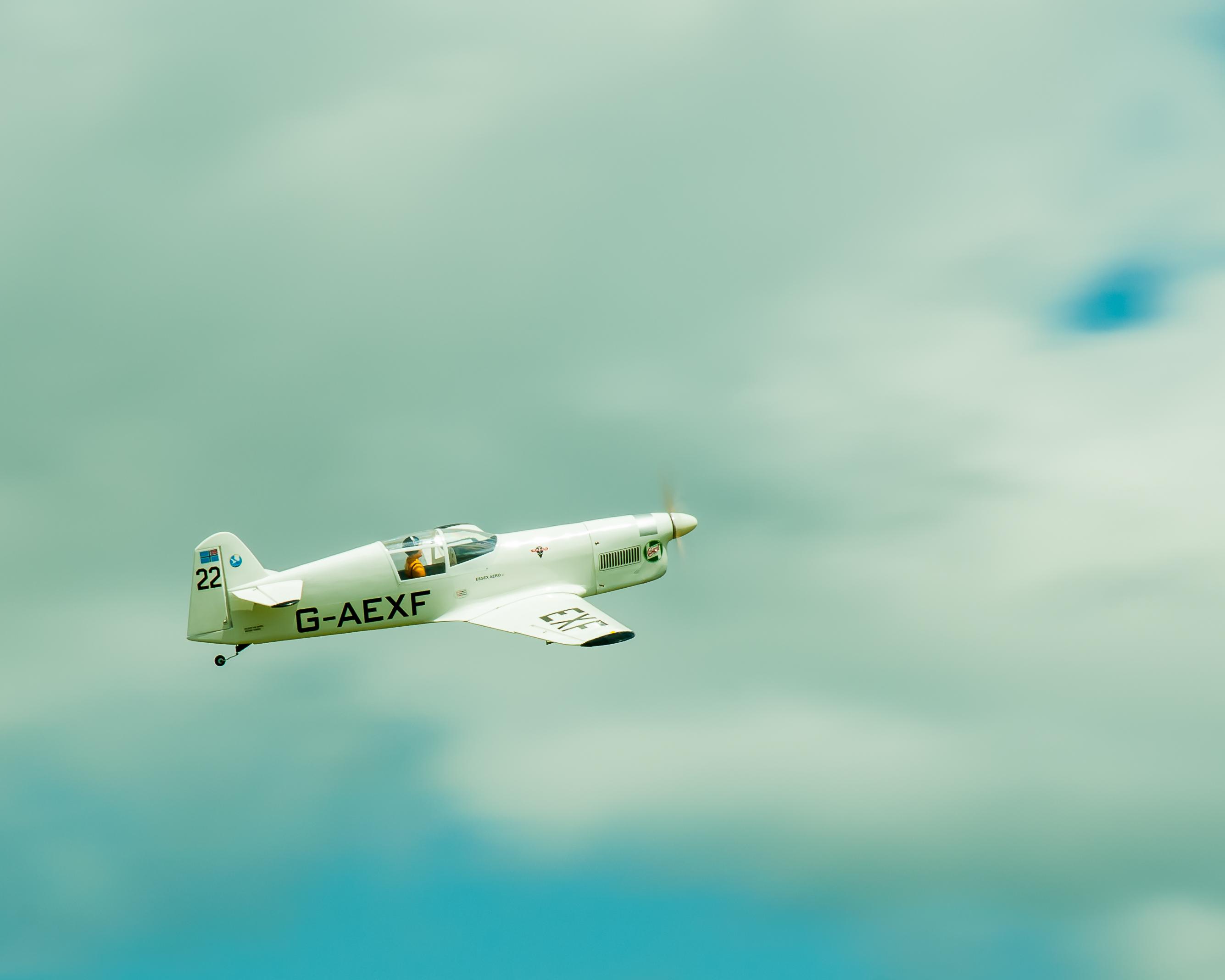 # - 570 - G-AEXF