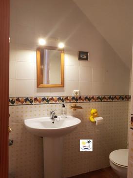 Villa Bouganvilla - Downstairs bathroom