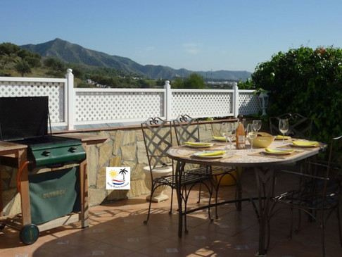 Villa Jossalan - Outside Dining Table