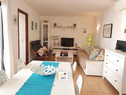 Capistrano Playa 304 Dining and lounge area