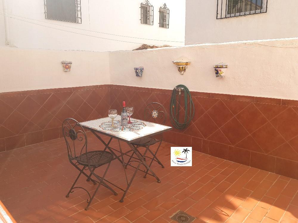 Villa Bouganvilla - Back patio