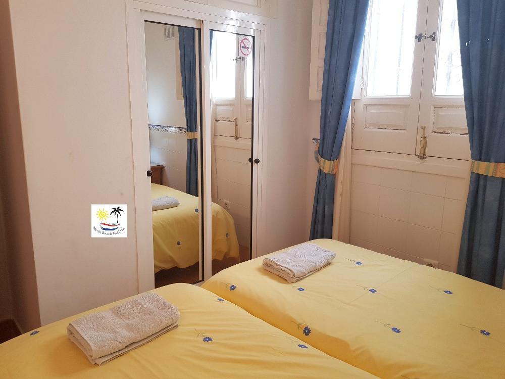 Las Palmas 14a - Bedroom