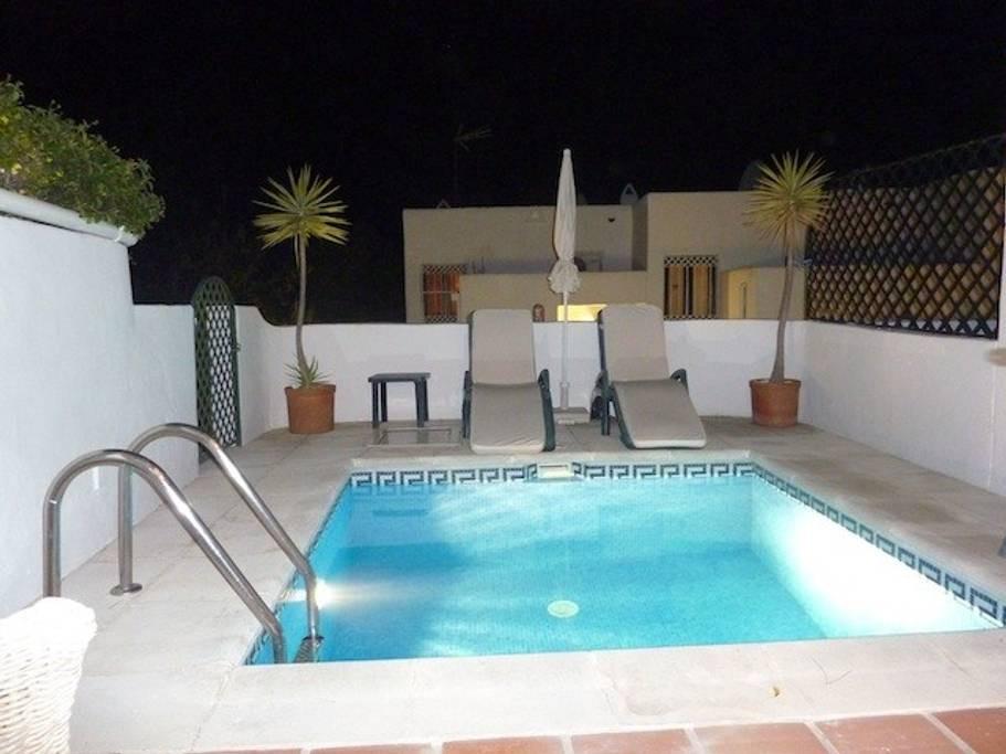 Paraiso Blanco 34 - Plunge pool at night