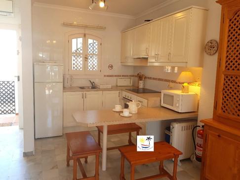 Verano Azul 32 Bis - Kitchen