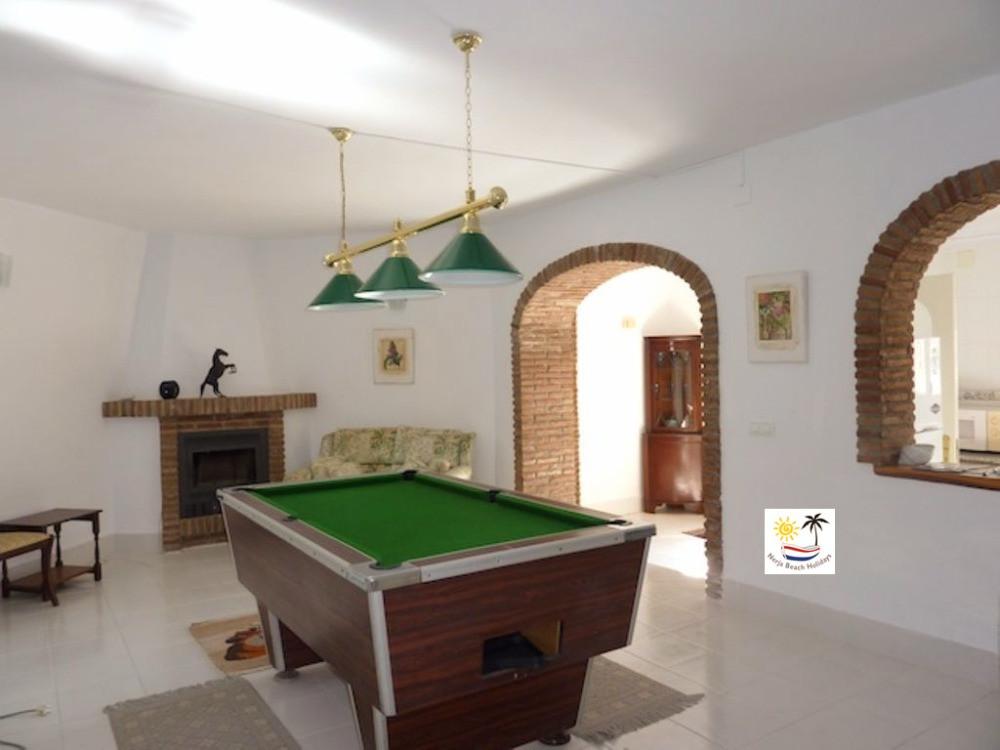 Villa Jossalan - Downstairs Pool Table