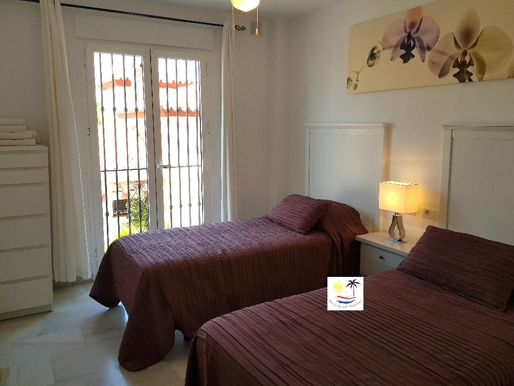 Aljamar 10b - Twin bedroom
