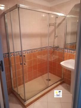 Villa Jossalan - Downstairs Bathroom 2