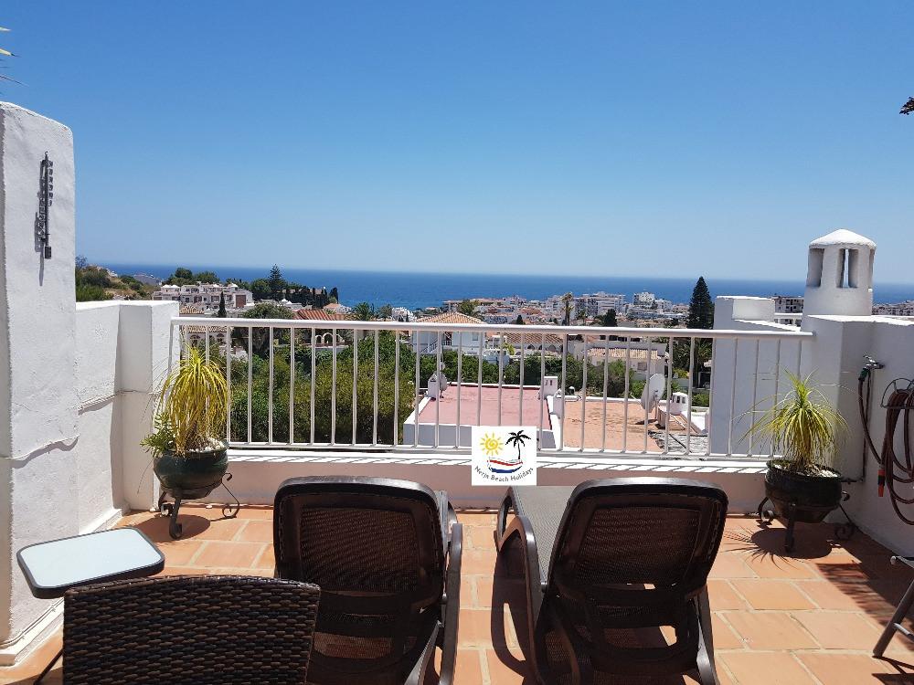 Paraiso Blanco 34 - Roof top sun loungers