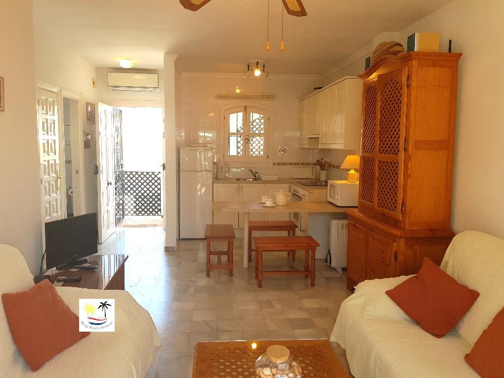 Verano Azul 32 Bis - Kitchen and dining area