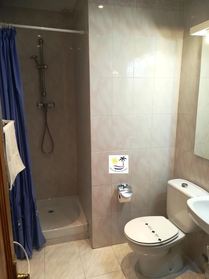 Paraiso Blanco 34 - Twin room ensuite bathroom