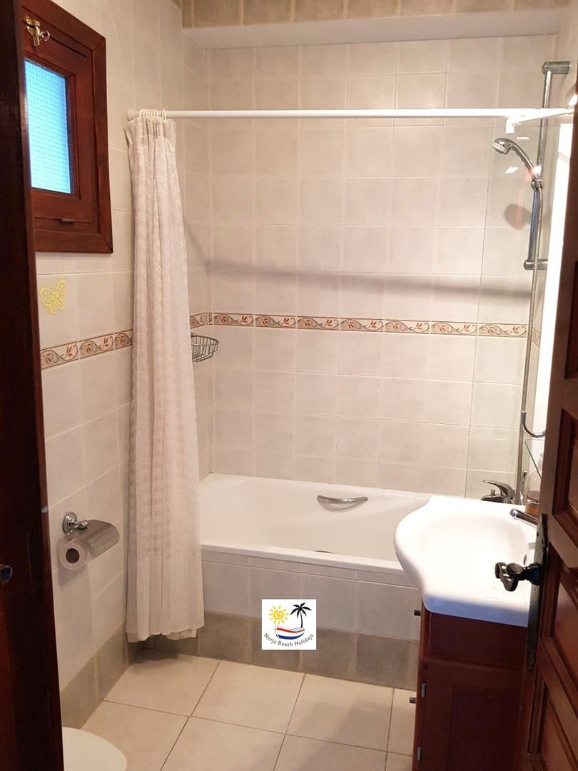 Tetuan 44 - Bathroom