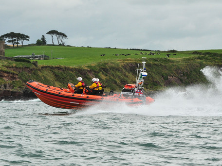 Crosshaven RNLI race to 3 cut off by the tide.