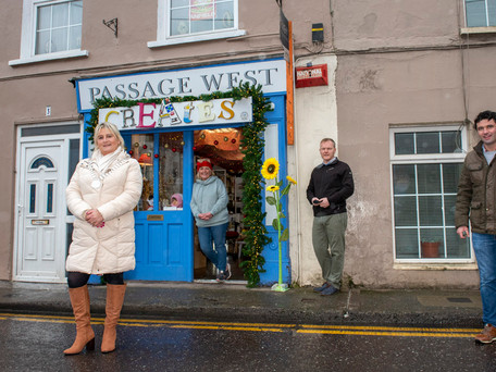 Passage West Creates at Christmas