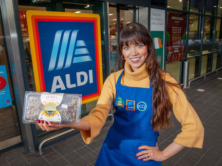 Carrigaline's Marie McCarthy launches her award-winning bread in Aldi Passage West.