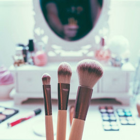 BEAUTY QUICKIE: Summer-Friendly Makeup Tips