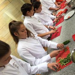 Academia para niños de 7 a 15 años. Aprende técnicas culinarias.