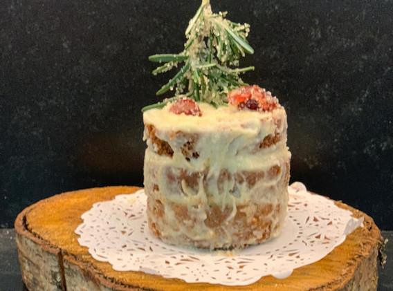Pastel de Jengibre con Romero Cristalizado
