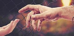 hands-4906663_1920.jpg