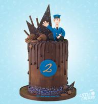 Postman Pat Drip Cake