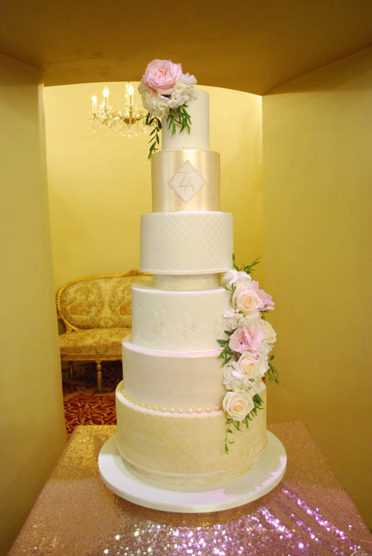 luxurious-6-tier-wedding-cake.jpg