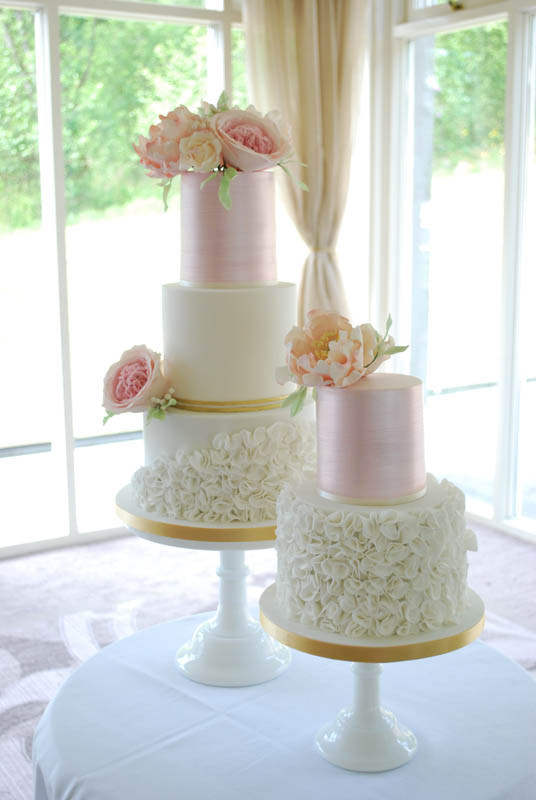elegant-wedding-cake-duo.jpg