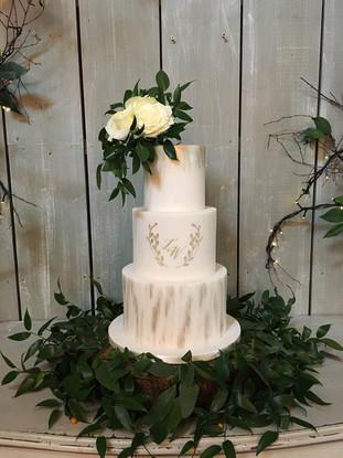 elegant-3-tier-wedding-cake.jpg